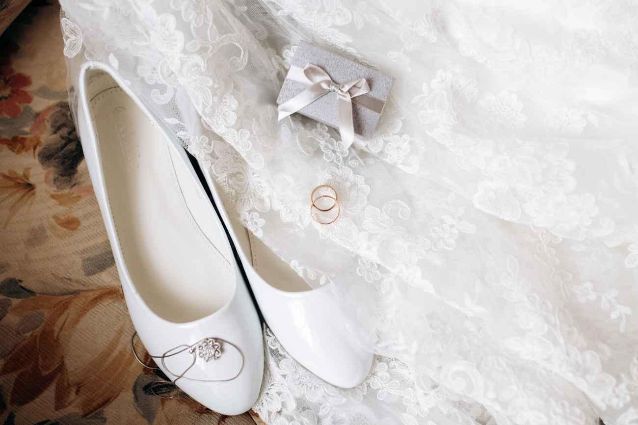 jakie buty do sukni ślubnej